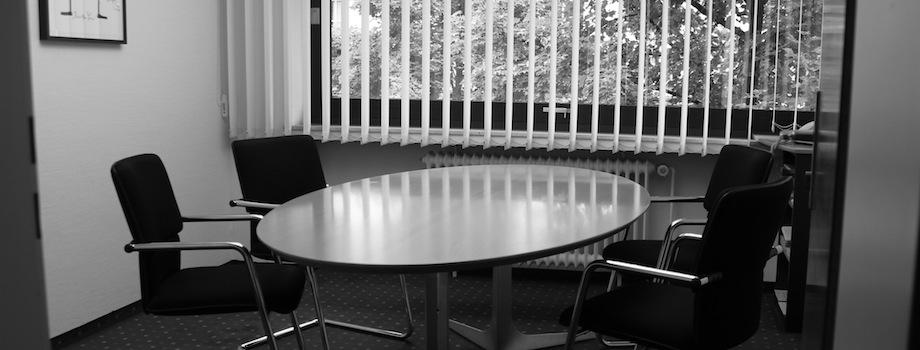 Besprechungszimmer der Rechtsanwaltskanzlei - Schrön | Trommsdorff | Beckert, Freudenstadt